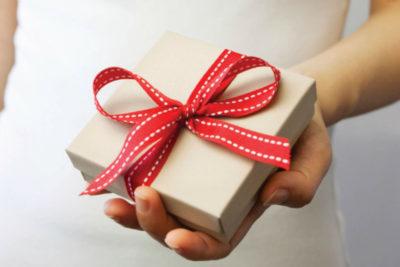 10 бьюти-подарков для скинтеллектуалов